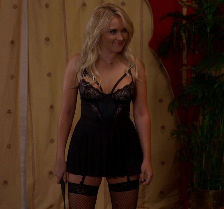 Pin On Emily Osment