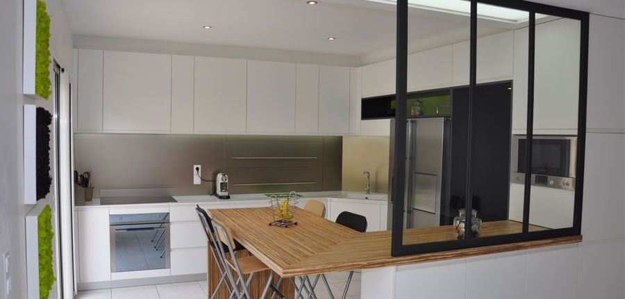 Conception de cuisines sur mesure par bebamboo nantes for Modele verriere interieur