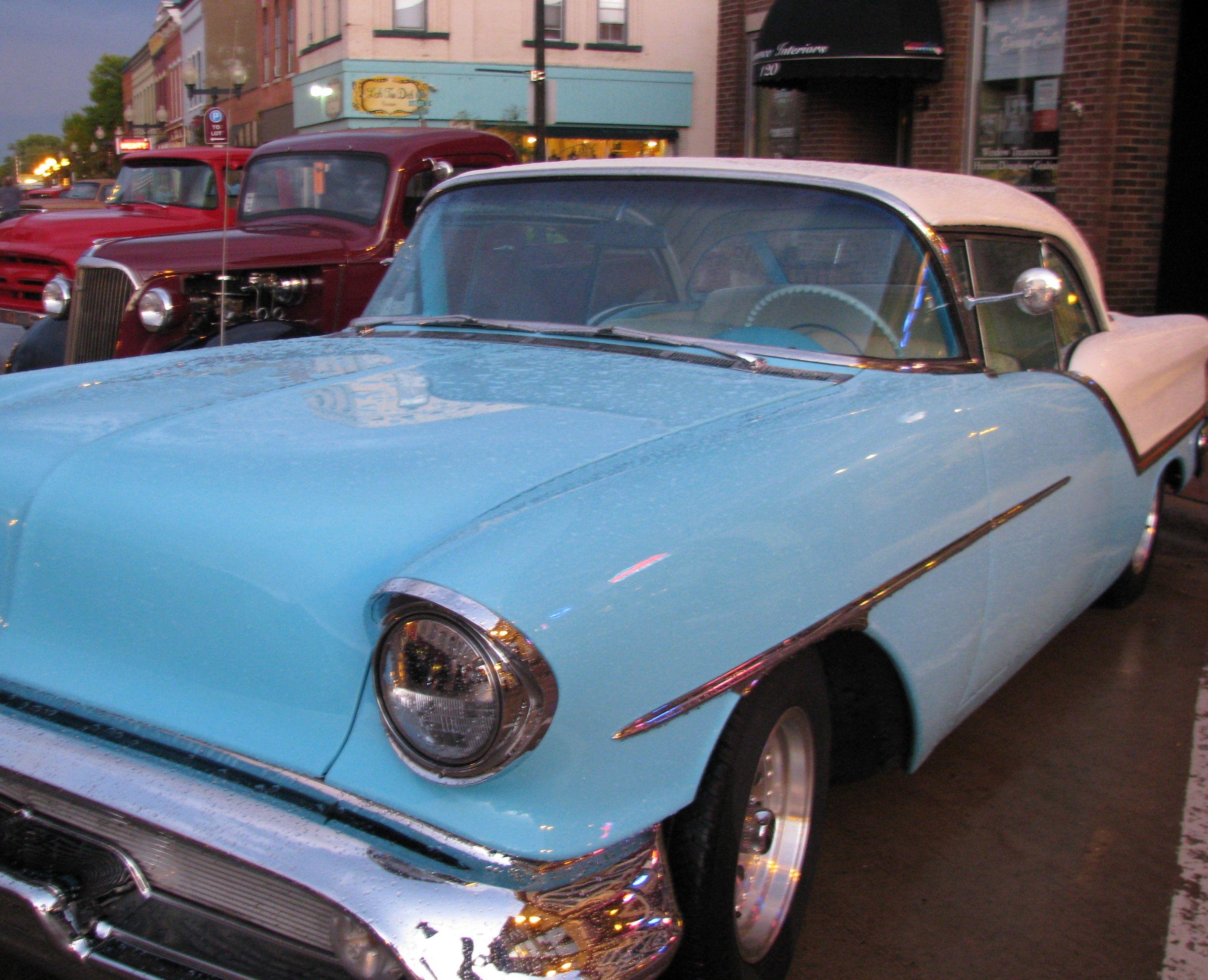 Saturday Night Downtown CruiseIn Car Show Car show, Bmw