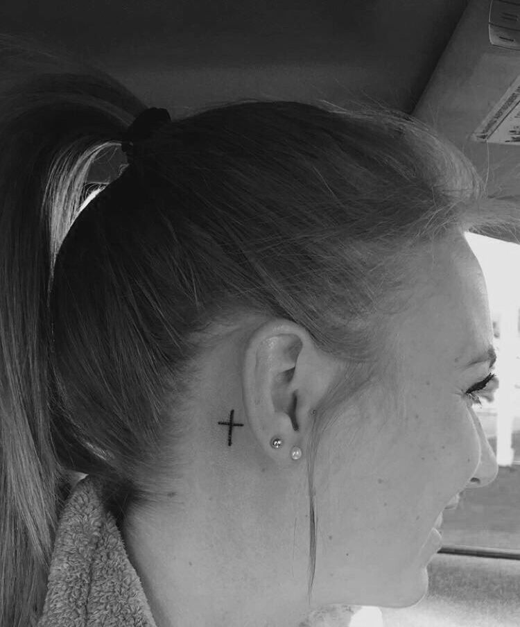 50 Most Beautiful Behind The Ear Tattoos That Every Girl ...