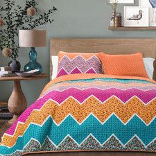 Everlyn Chevron Quilt Collection