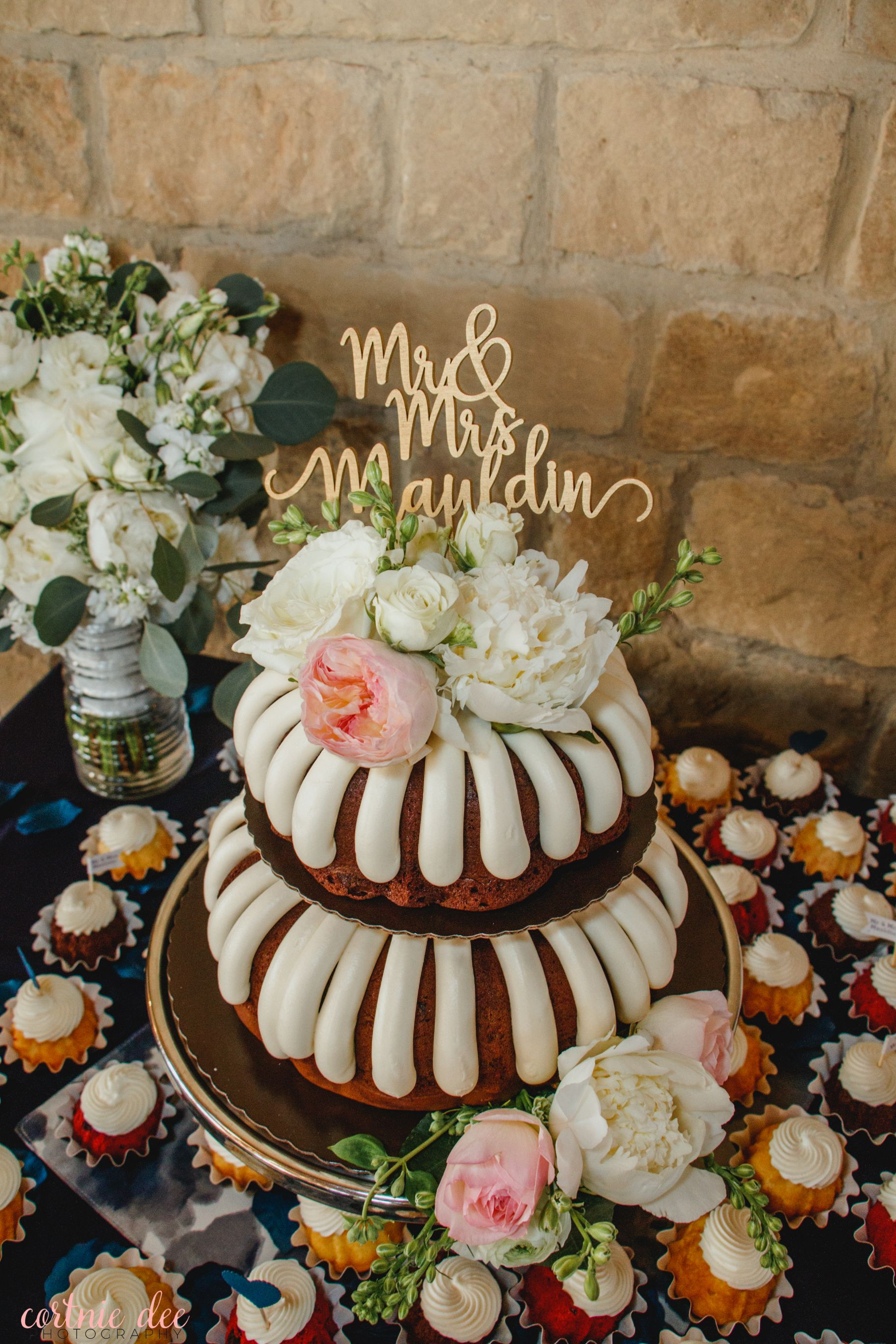 41++ Bundt wedding cake topper trends