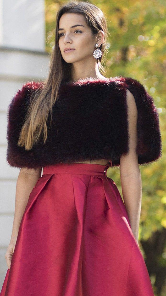DRESSEOS | Estolas, capas, chaquetas, toreras y abrigos para novias ...