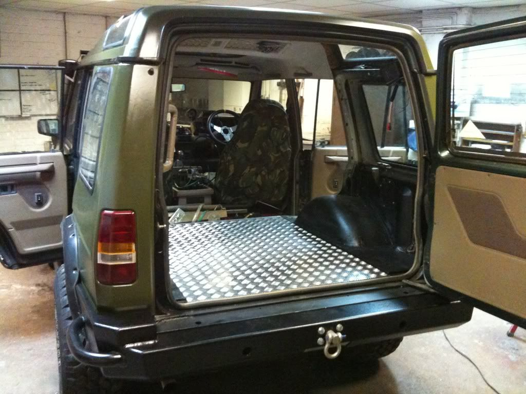 Discovery rust boot sills and wings landyzone land - Land rover discovery interior dimensions ...