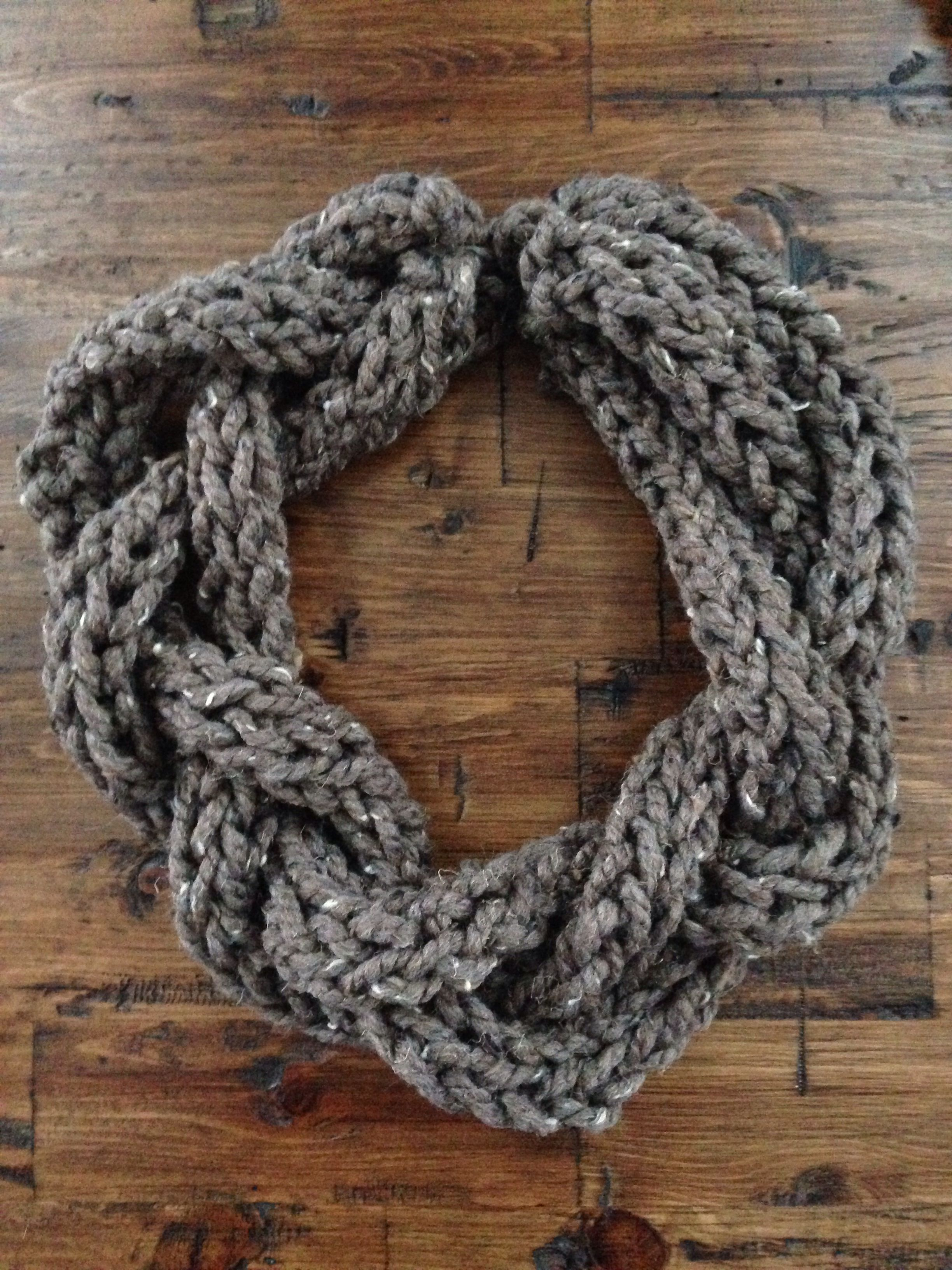 Finger knit scarf...so easy and fast to make. | My Style | Pinterest ...
