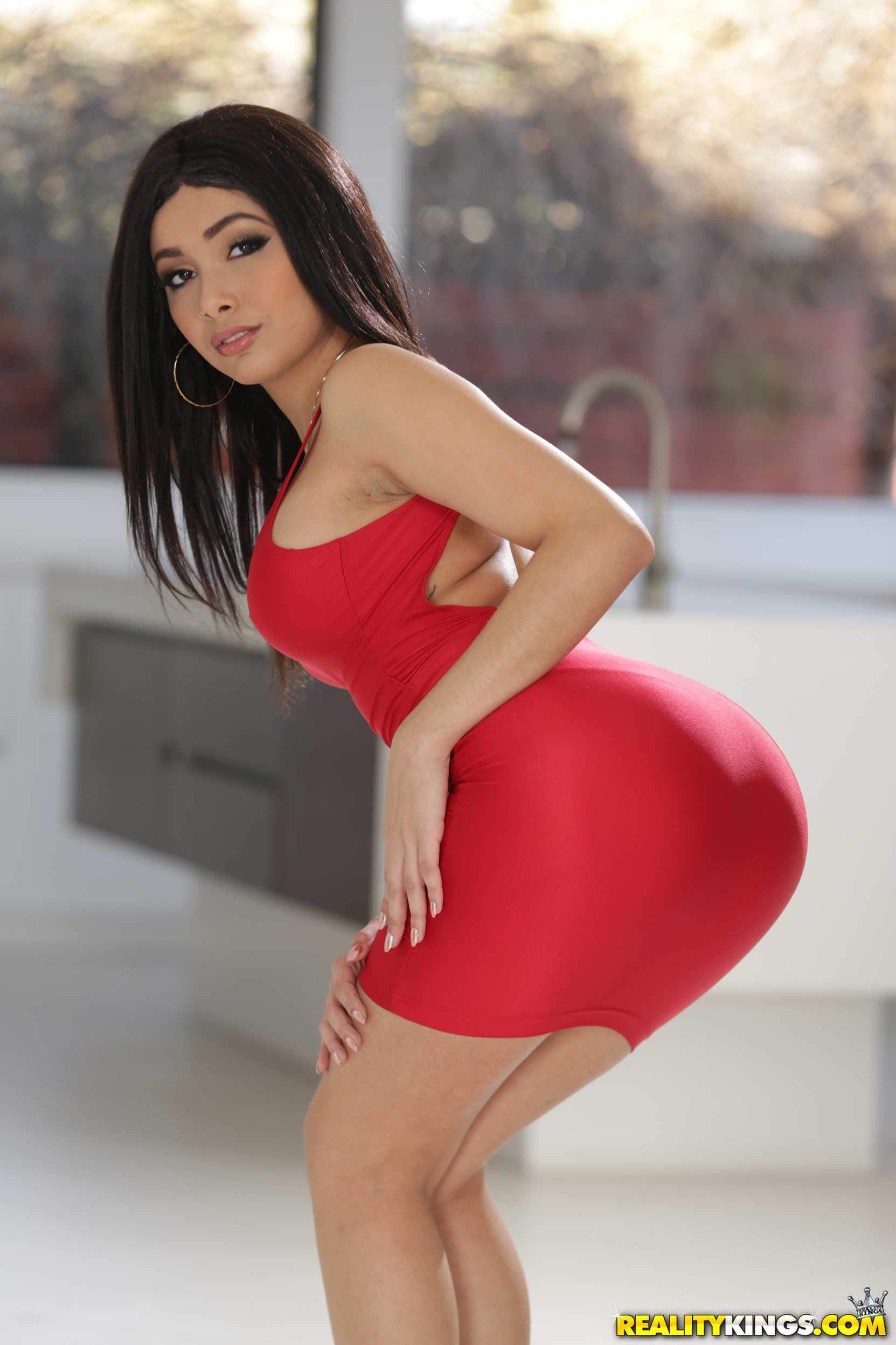 Aaliyah hadid in red dress gets fucked 6