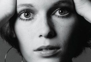 Mia Farrow's Story: On Frank Sinatra, Battling Scandal, and Raising Her Family #mommamia