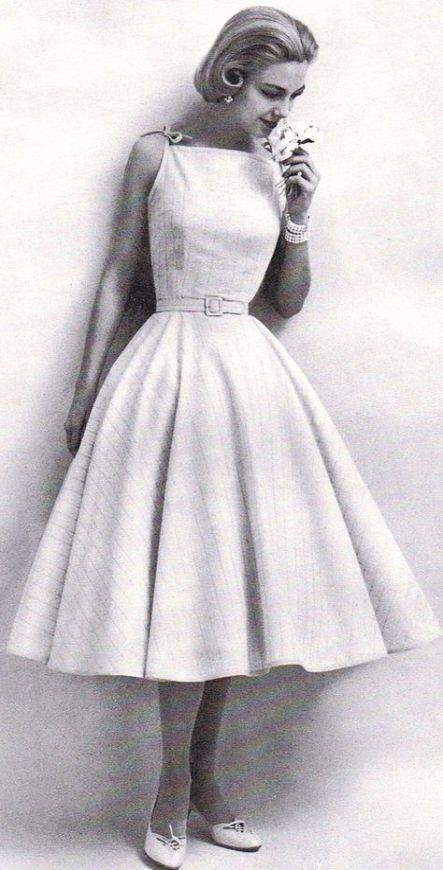 A Vintage Lookbook: Style Throughout the Decades | #vintagelookbook