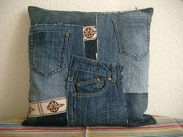 jeanskissen h lle jeans recycling kissenbezug von n hwittchen auf n hen. Black Bedroom Furniture Sets. Home Design Ideas