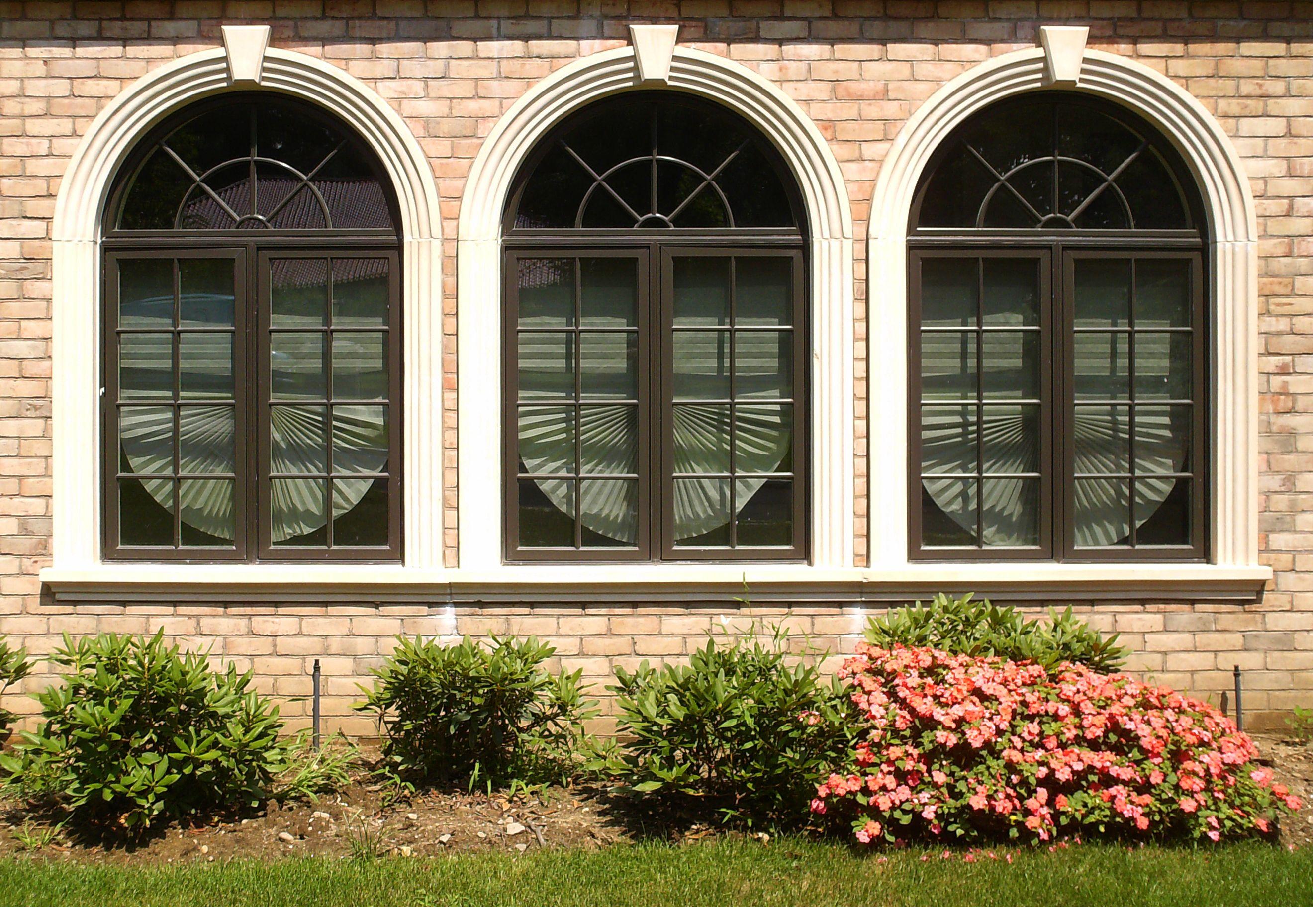 3 Windows With Precast Arch Surrounds And Keystones Www