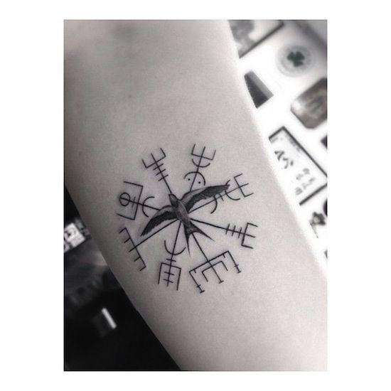 viking compass by dr woo tattoo artist los angels t. Black Bedroom Furniture Sets. Home Design Ideas