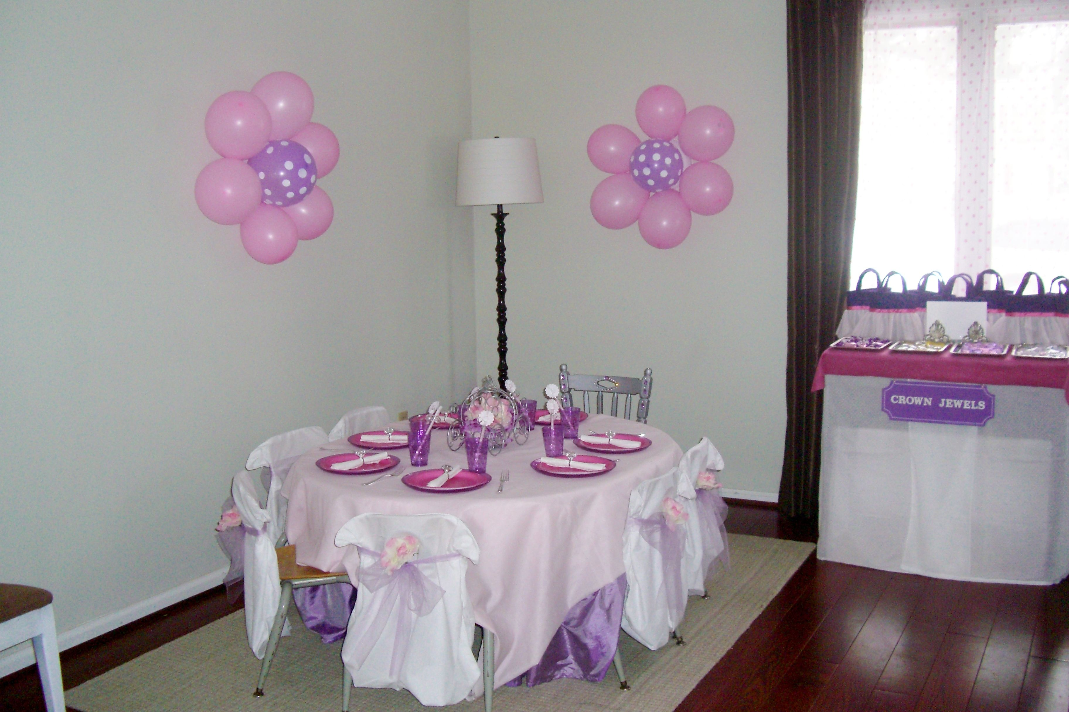 Princess birthday decorations princess birthday party for Balloon decoration on wall for birthday
