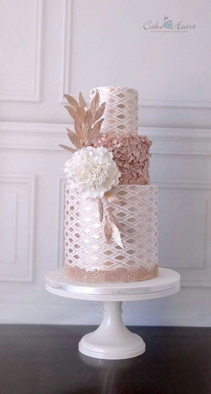 Blushing cake