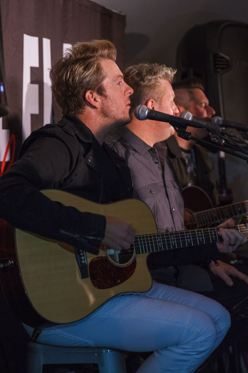 Rascalflatts Meet And Greetacoustic Backstage Show Cf2015