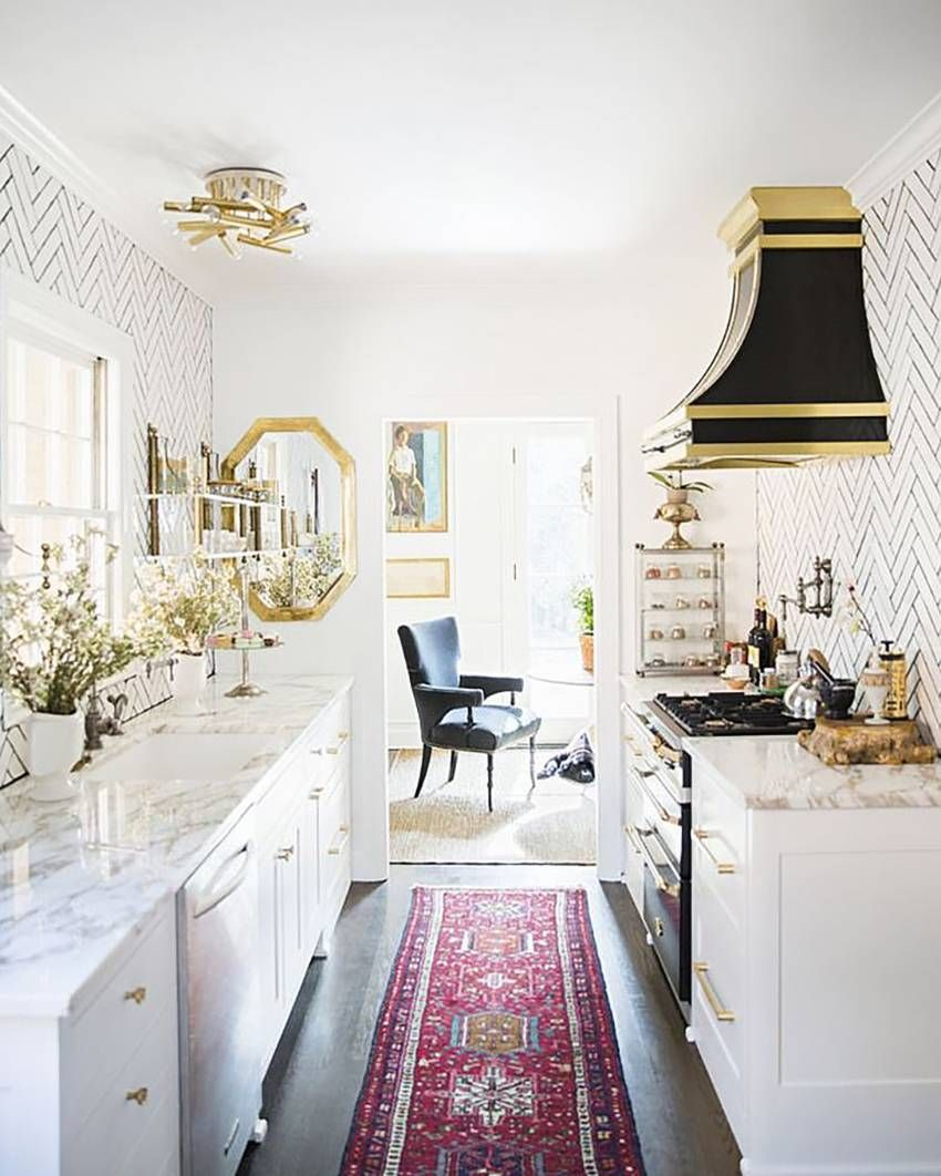 25 absolutely beautiful small kitchens that prove size doesn t matter kitchen remodel small on t kitchen ideas id=11463