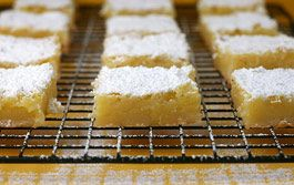 Lemon Bars. Going to try these very soon!