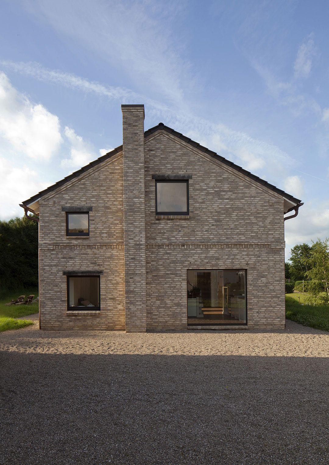 Landhaus im Stil eines Holsteiner Dielenhauses mit Scheunen ...