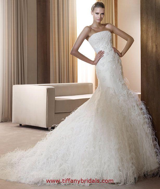 Pronovias Wedding Dresses - Style Fidji