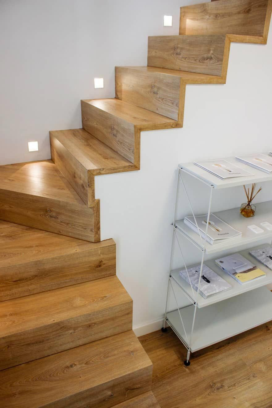 Escaleras De Madera Escaleras De Estilo De Conely Casamadera Escaleras Para Casas Pequenas Decoracion De Escaleras Interiores Diseno De Escalera