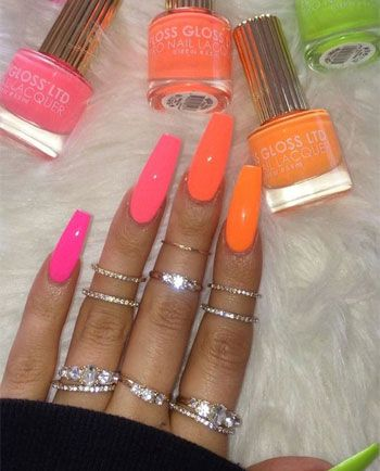 77 Bright Neon Nails To Try This Summer Ongles Vernis A Ongles Et Ongles Multicolores