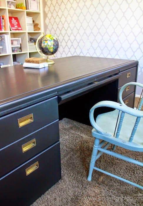 General Finishes Milk Paint Lamp Black Desk Makeover. #generalfinishes #lampblack #furnituremakeover