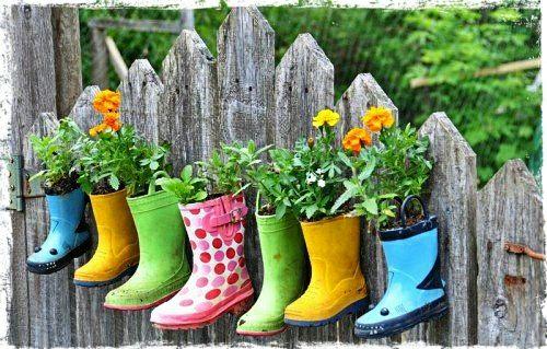 Terrasse Pflanzen Schuhe Blumen Zaun | Garten | Pinterest ... Pflanzen Fur Balkon Kleingarten Dachterrasse