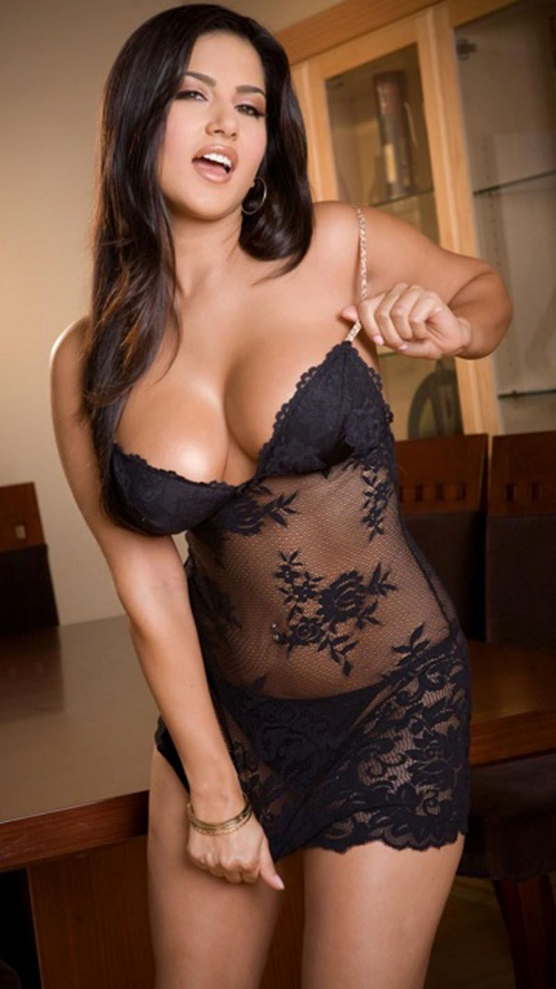 Porn Star Sunny Leone Sexy Movie