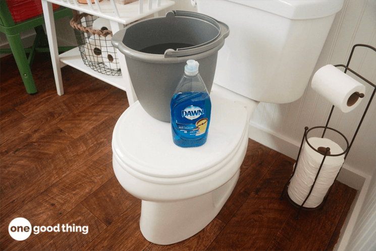 It S Something That Most Of Us Don T Like To Think About But Toilet Clogs Happen Next Time Your Toilet Homemade Shower Cleaner Clogged Toilet Cleaning Hacks