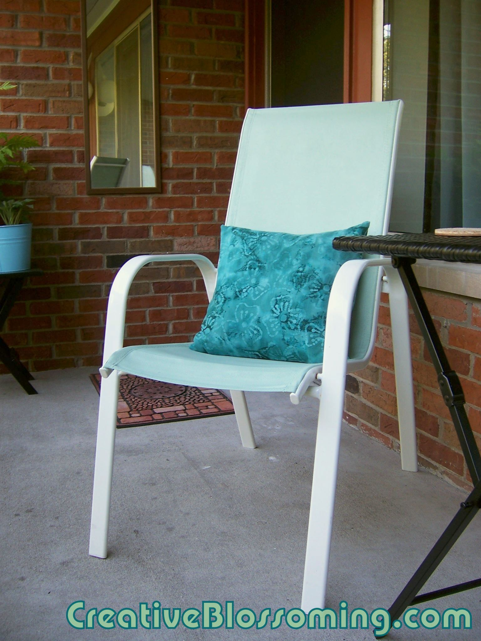 Painted patio chair She used latex indoor paint on mesh Summer Potts