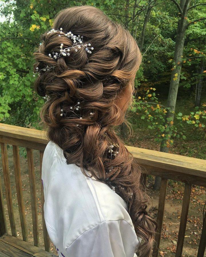 wedding hairstyle for long hair #weddinghair #hairideas #halobraids #loosewaves #upstyle #weddinghairstyles #hairstyles