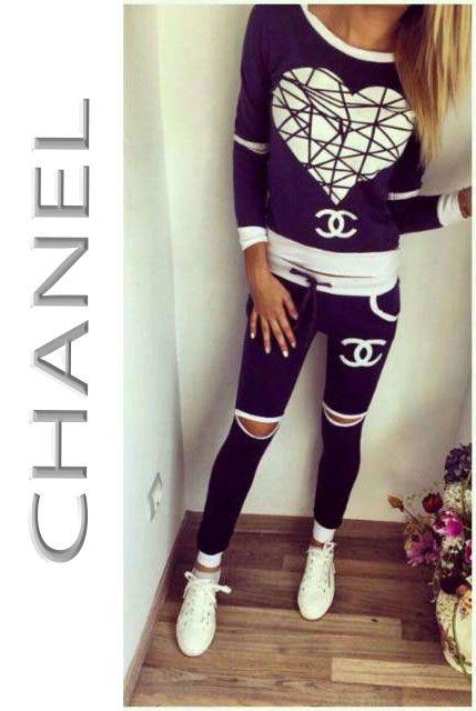 New Arrival Chanel Heart Logo At Fashioncallnet Leggings