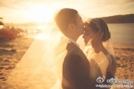 [娛樂快遞/娛樂]南都娛樂周刊:「小姨媽」結婚了!演員鄧家佳 與相戀十年... - Yahoo奇摩名人娛樂