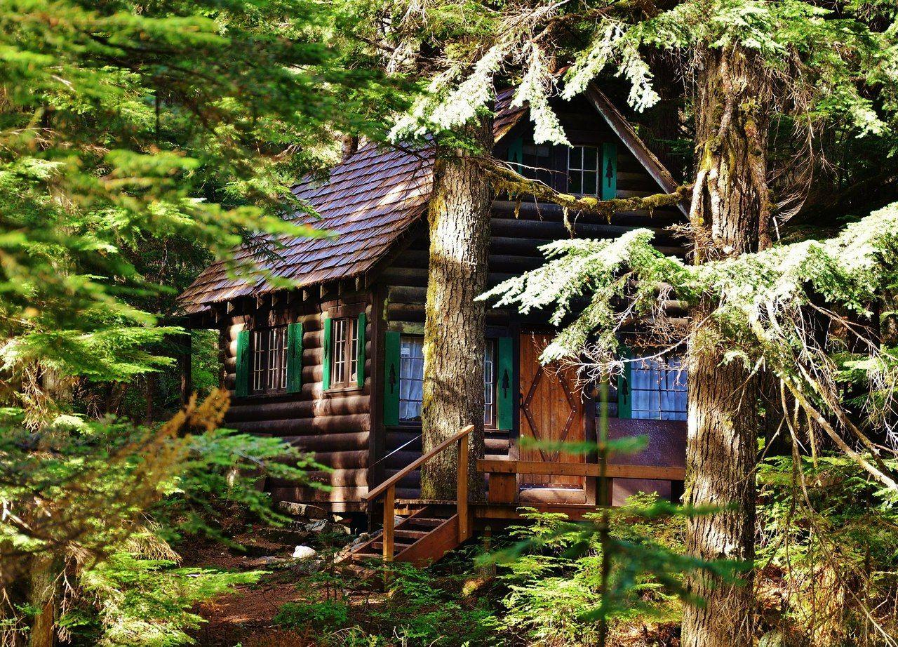 National Forest Service Cabin On Denny Creek Washington