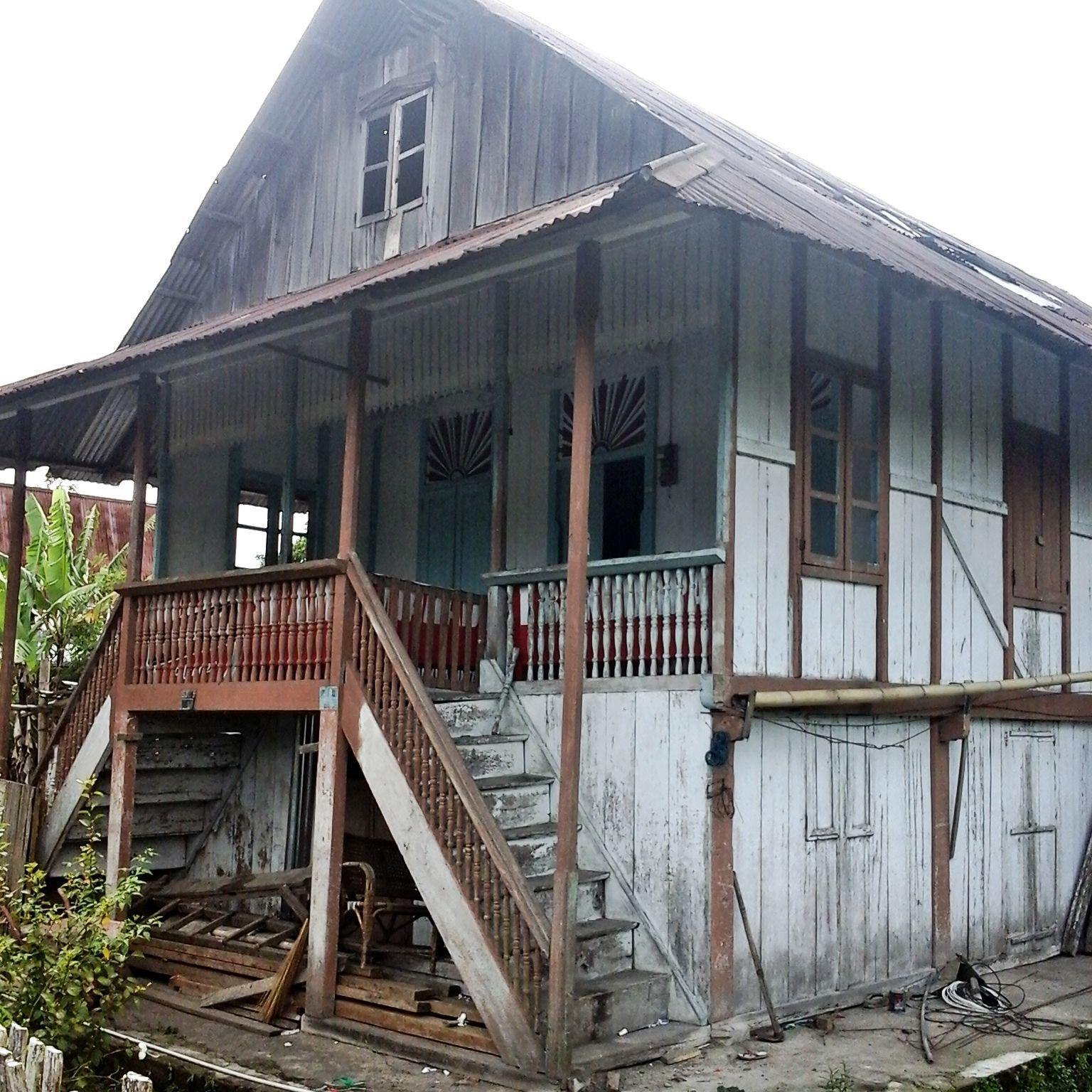 Rumah  Adat Minahasa Umumnya rumah  adat di Minahasa