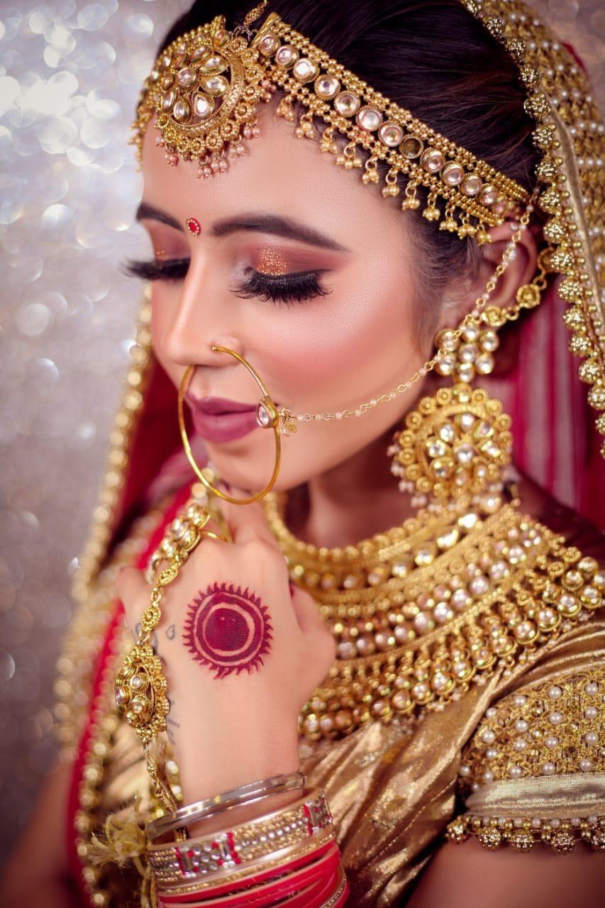 Best Makeup Academy in Delhi, NCR Makeup academy, Indian