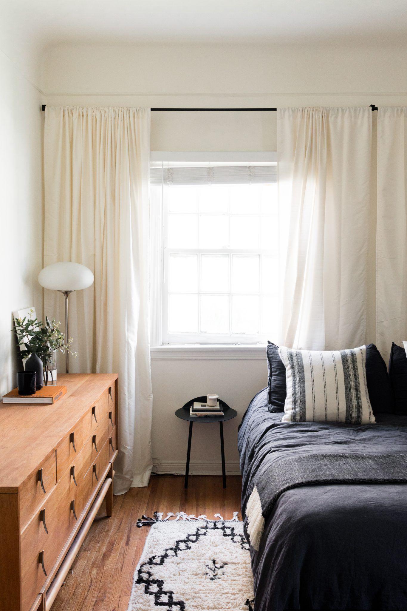 kleines schlafzimmer perfekt als g stezimmer mit platzsparendem wandtisch von menu connox. Black Bedroom Furniture Sets. Home Design Ideas
