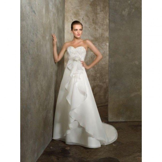 Adorable Organza A-line Sweetheart Spring Sleeveless Appliques Empire White Wedding Dresses