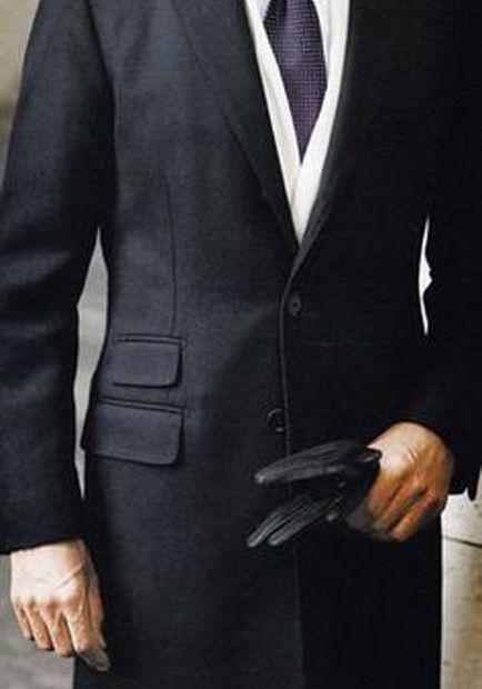 O alegere clasica: paltonul negru.