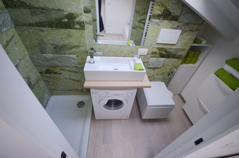 Italian Bathrooms 4 Soluzioni Per Bagni Piccoli Piccolissimi Bagno Piccolo Bagno Stanze Da Bagno