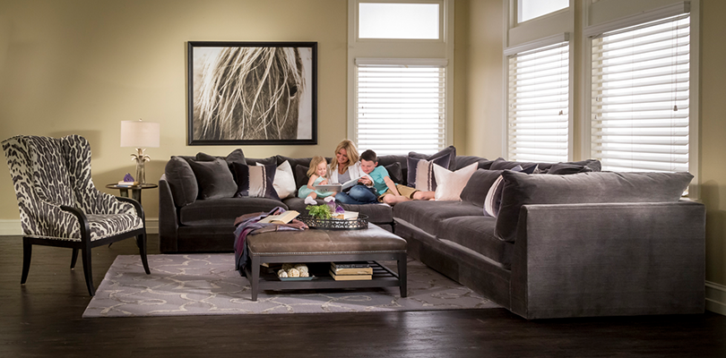 Mccreary Modern 3 Piece Sectional In Vernon Flannel