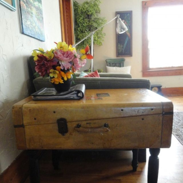 Old Suitcase Side Table Such A Cool Way To Incorporate A Unique