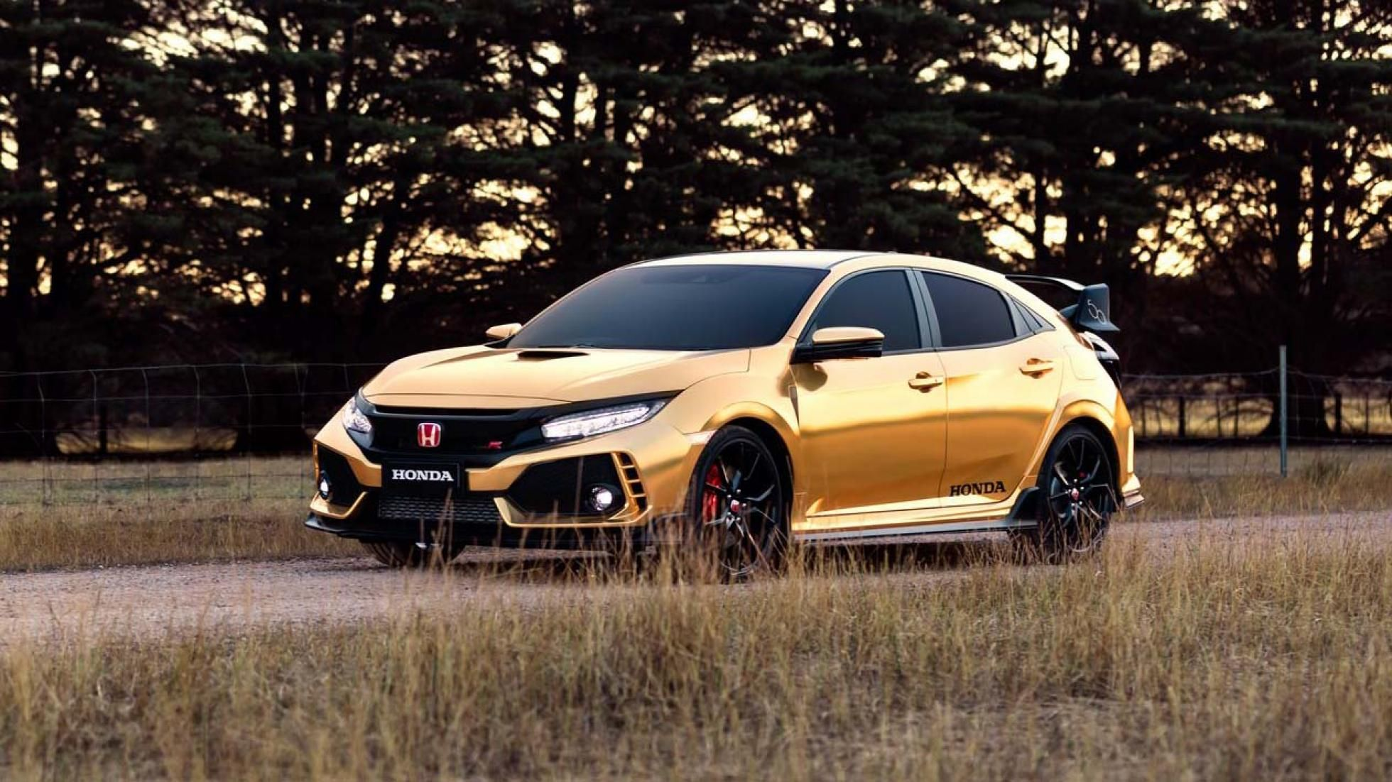 Honda Has Painted A Civic Type R And Nsx Gold Eek Honda Civic Type R Honda Civic Civic