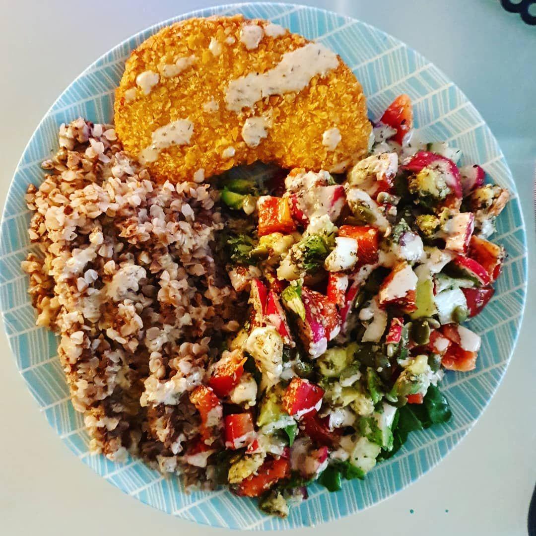 This Is My Daily Usual Food At Home I Looooove The Combination Of Vivera Krokante Schnitzel Buckwheat Vegan Italian Recipes Vegan Recipes Vegan Dinners