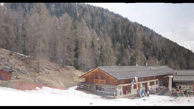 Foto Bollettino Neve Pejo: http://www.bollettinoneve.net/bollettino-neve-pejo.html Bollettino neve Trentino #neve #montagna #snowboard #snow #mountain #sciare #inverno #ski #skislope #skier #skiing #winter #alpi #alps #appennini alps | italy | ski chalet | snowboarding | heritage site | Snow Style | Snow photography | Snow Falls | mountain photography | snowy mountains | mountain photography | Mountains and snow | snow mountain | mountaineering | trekking | Ski Resorts | Mountain life…