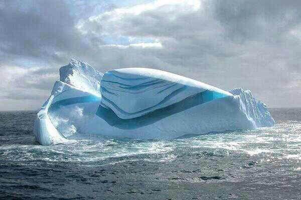 Beautiful Jade Striped Icebergs On The Antarctic Ocean Natural Phenomena Ocean Iceberg