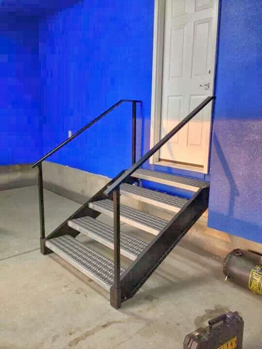 Best Garage Entry Stairs With Removable Hand Rails Fab 400 x 300