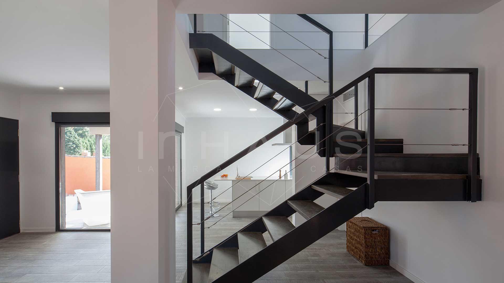 Precio casa modular todo incluido recibidor pinterest for Plano de escaleras para casas