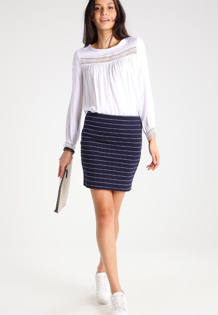 ee6ca511a Consigue este tipo de falda de tubo de Vila ahora! Haz clic para ver ...