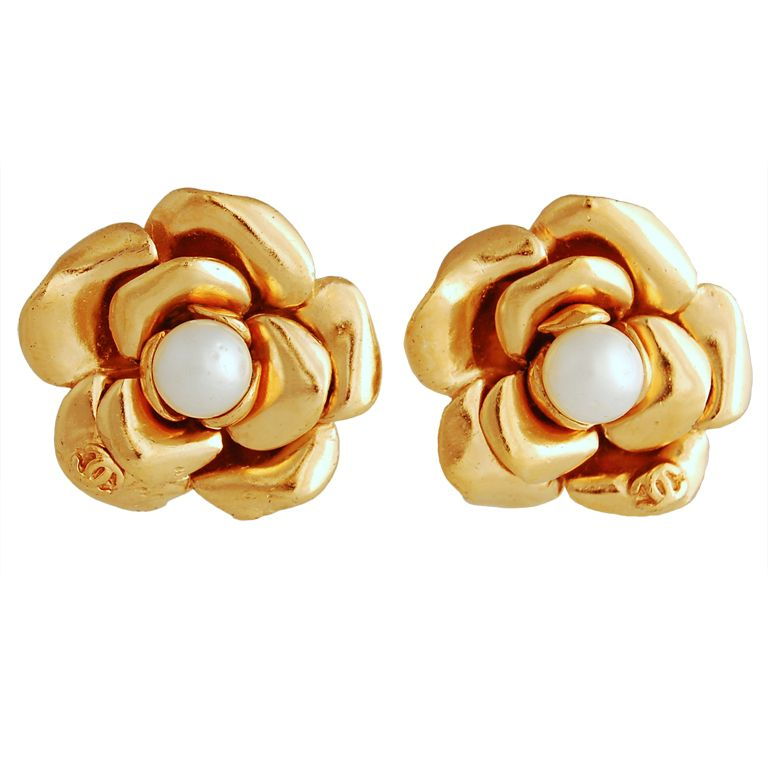 Chanel Camellia Earrings With Pearl Center 1stdibs Com Chanel Earrings Chanel Jewelry Earrings