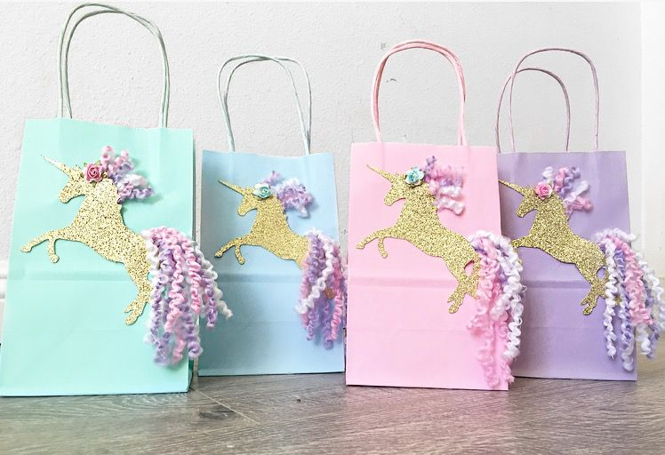 12 x Princess Girl Baby Shower Birthday Party Sweet Bags /& Sticker Favour Kit